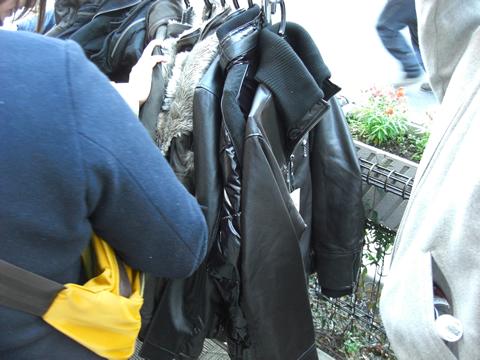 ゲイナー 黒服